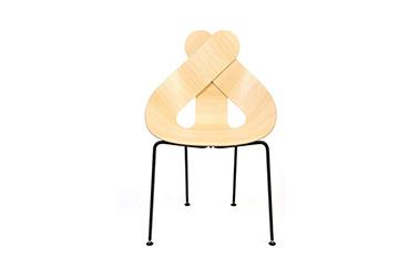 chaise Lucky love design by Maarten Baptist