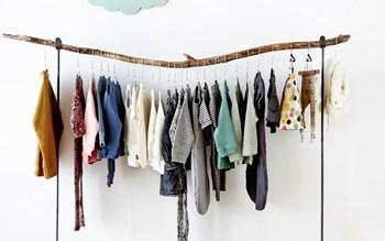 Dressing ouvert design : l' habit fait la déco !
