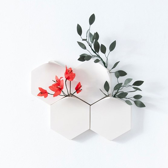 Vases muraux modulaires Teumsae On Wall - set de 4 - blanc - Design : Extra&ordinary Design