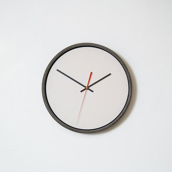Horloge murale - Design : Tim Walker Studio