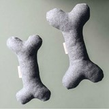 BONE Wool dog toy with squeaker  2