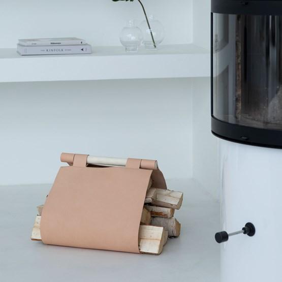 Porte-bûches en cuir - Design : Gedigo Piece Of Finland