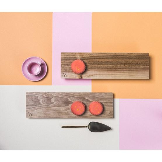 OSTE longy serving plate - walnut wood in cold tones - Design : TU LAS