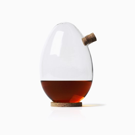 EGG Carafe - Designerbox - Design : Sebastian Bergne