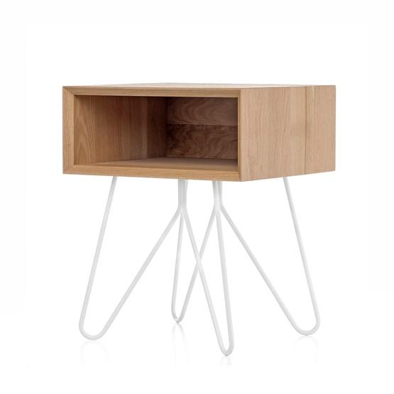 Table d'appoint NOVE -  chêne massif et piètement blanc - Design : Galula Studio