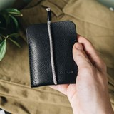 LESS minimalist card case - black 5