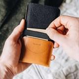 KANGAROO phone case - brown 3