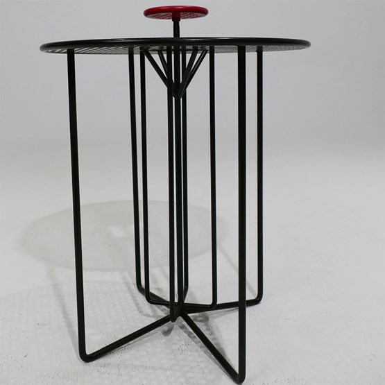 Table nomade S2 - version  alu rouge et noir - Design : AG L.O.B.