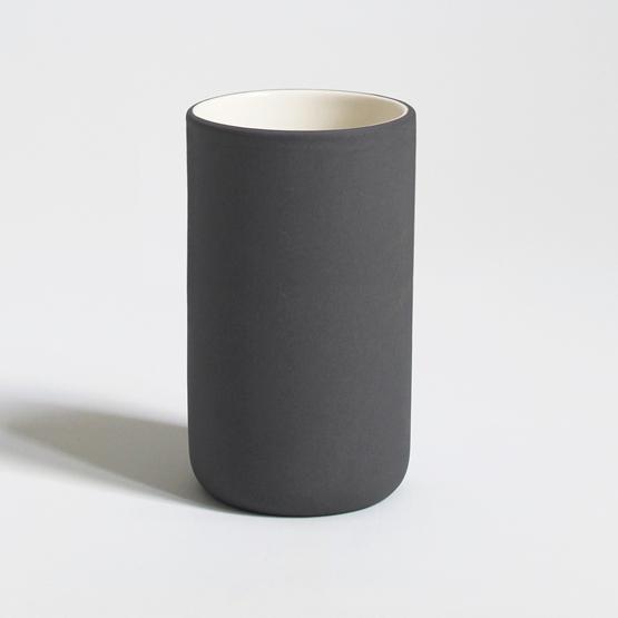 Tall cup l 200 ml | dark grey - Design : Archive Studio