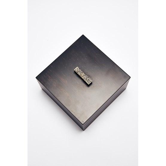 Boîte carrée ELLA - laquée brune et noire - Design : Reda Amalou Design