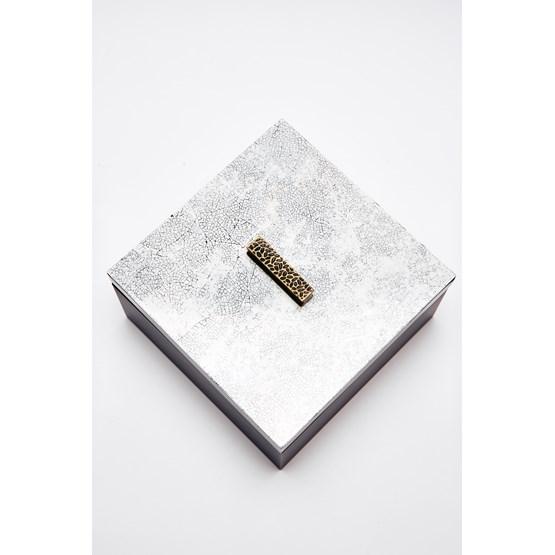 ELLA square box - white eggshell - Design : Reda Amalou Design