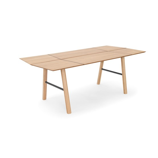 SAVIA dining table - Clear wood / Black details - Design : WOODENDOT