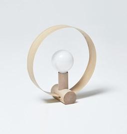 GRAVITÉ table lamp - Oak