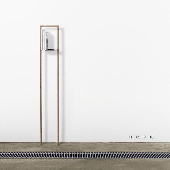 Etagère PENTHAUS - noyer - Design : Breuer Bono