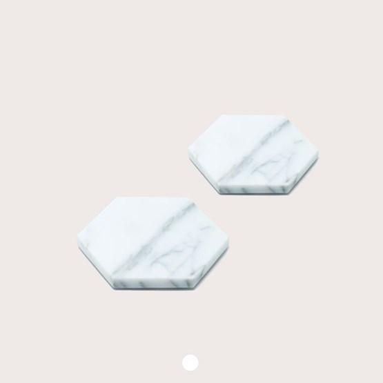 Dessous de verres - marbre blanc et liège - Design : Fiammetta V
