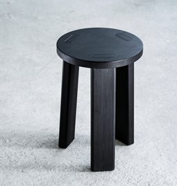 Sugi | Stool - black