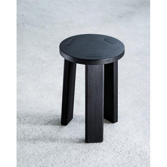 Sugi | Stool - black - Design : Formel Studio