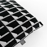 Coussin Jacquard Shadow Volume B&W 4