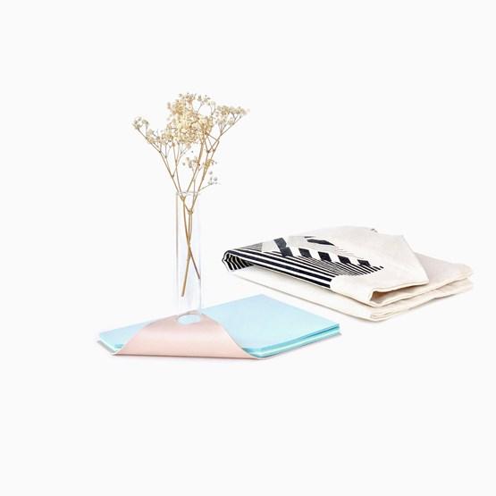 NOTEBOOK vase - Designerbox X Fabrica - Design : Fabrica & Chan Wai Hon