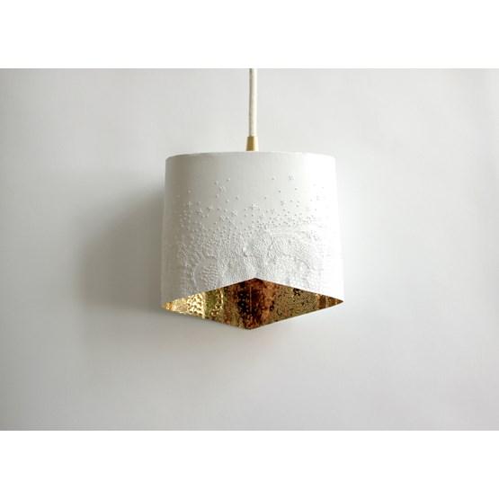 Scaled portable lamp - white & gold - Design : Anne-Charlotte Saliba