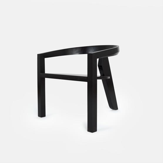 Fauteuil ICON | frêne laqué noir - Design : Porventura