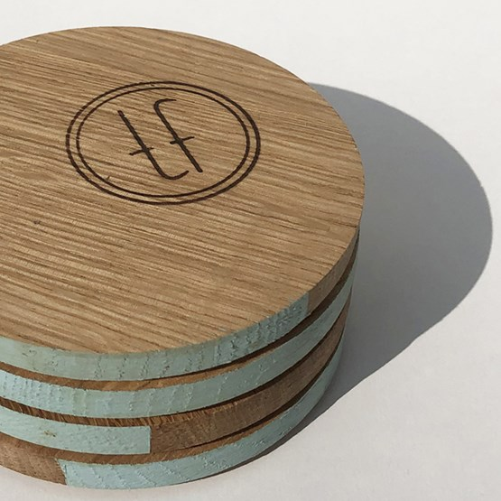ENTRE AMIS coaster - wood and BLUE - Design : the designer trotter