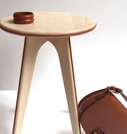 Nordic stool ASSY - white and leather