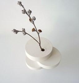 Sculpture-vase BONSAI EQUILIBRIUM - lacquered medium white
