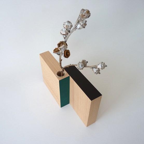 Vase BAUHAUS - beech wood / black - orange - petrol blue - Design : Beatrix Li-Chin Loos