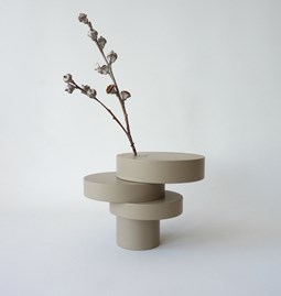 Sculpture-vase BONSAI EQUILIBRIUM - lacquered medium taupe