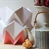 Lampe de table HIKARI en papier / taille S - blanc et rose 3