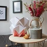 Lampe de table HIKARI en papier / taille S - blanc et rose 4