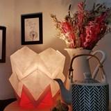 Lampe de table HIKARI en papier / taille S - blanc et rose 6