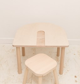 PAPAYE kid table