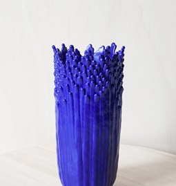 Vase ascensionnel floral épanoui - bleu électrique