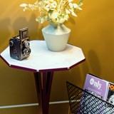 Table d'appoint FELICIEN - acier pourpre et céramique marbre blanc  8