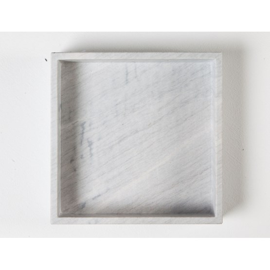 Plateau carré Agnès - marbre - Design : Faye Tsakalides