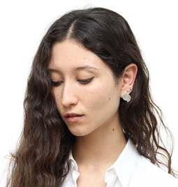 Offset disks stud earrings - silver