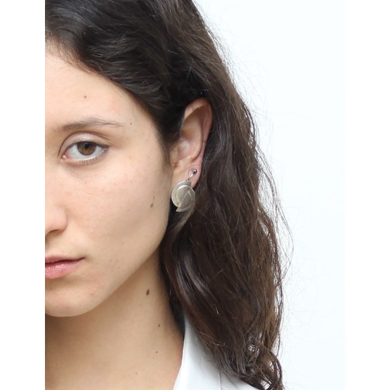 Offset disks stud earrings - silver  - Design : LLAYERS