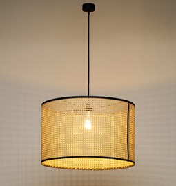 Pendant light in cannage - black