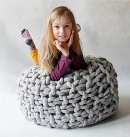 Moss chunky knit pouf - grey