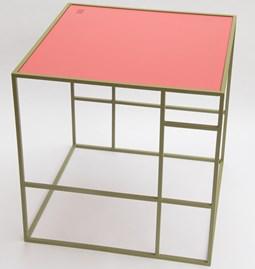 Table M+ - Olive/Raspberry