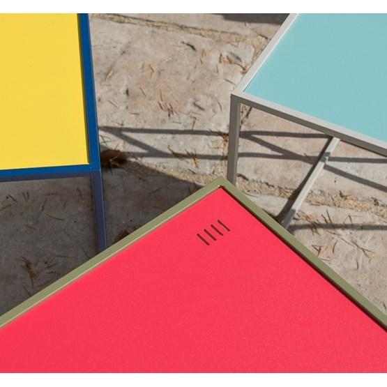 Table M - Saphir/Framboise - Design : Helado Design