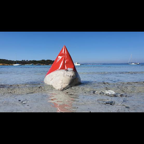 """""""A"""" of OLA - beach chair - red - Design : Flora Koel"""
