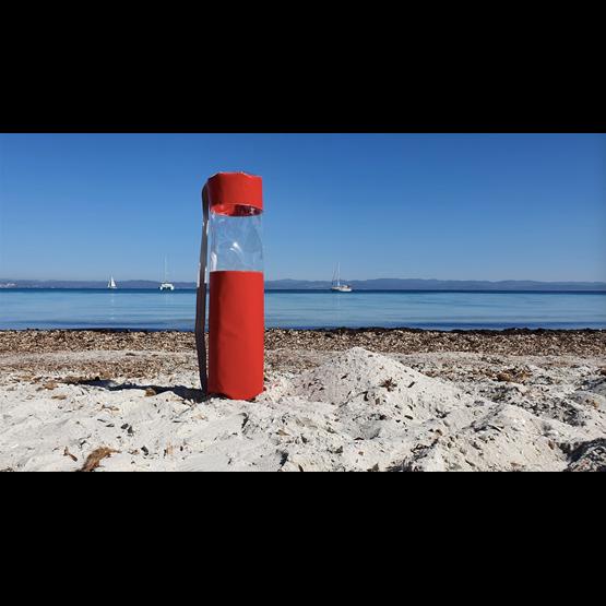 """""""L"""" of OLA - beach chair - red - Design : Flora Koel"""