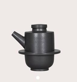 Jug 18/49 - black stoneware