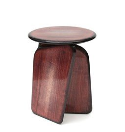 Vent Contraire red-brown stool