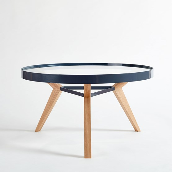 Table basse SPOT grise - Design : NEUVONFRISCH