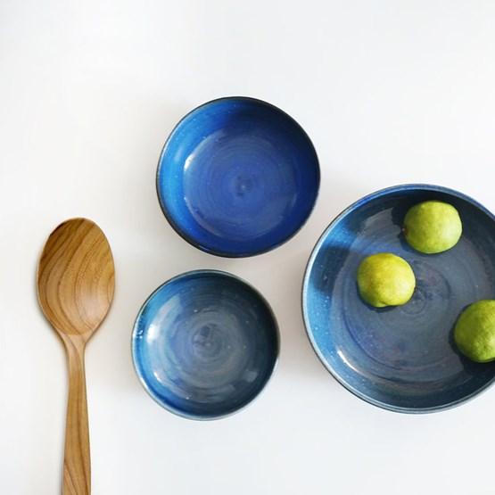 Assiette JEAN-EUDES bleue - Design : Studio Tandem