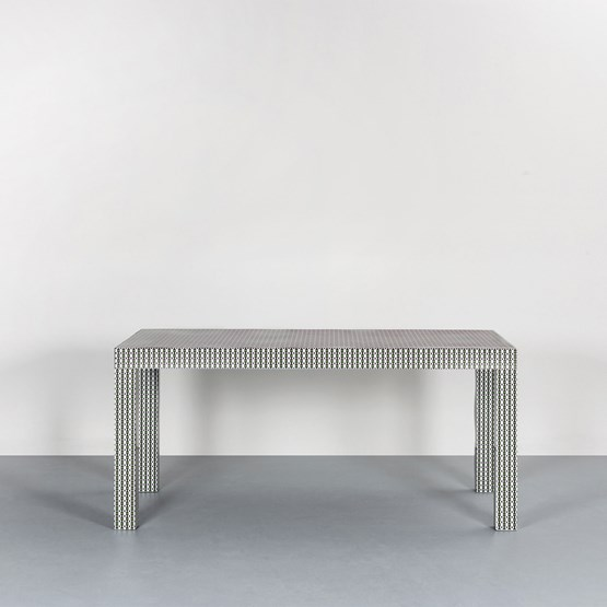 Table Hitan - Green Optical - Design : Chapel Petrassi